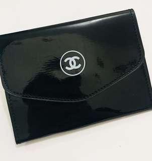 Chanel 漆皮護照套