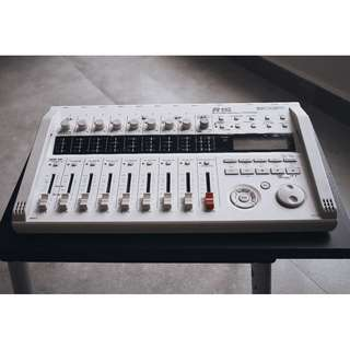 Zoom R16 recorder