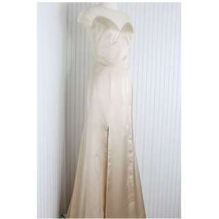 Long Dress/Evening gown/Gaun pesta warna nude
