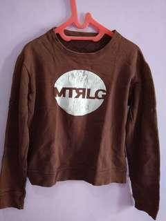Sweater coklat unisex