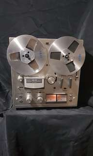 Akai reel to reel player 1975