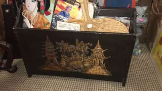 Vintage Magazine Rack (2 sided solid wood carvings)🎋
