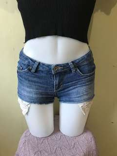 Original Levis shorts size 24-25