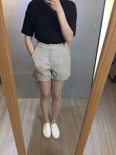 🚚 格子短褲