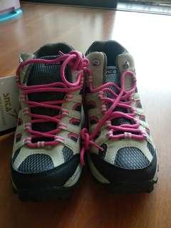 Sepatu Gunung / Hiking / Outdoor / Tracking SNCA beige-pink Ukuran 39