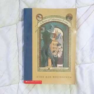 A SERIES OF UNFORTUNATE EVENTS BOOK