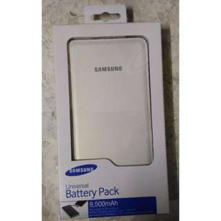 NEW SAMSUNG PORTABLE CHARGER