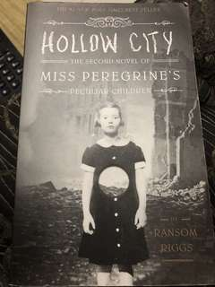 Hollow City ( The second novel of Miss Perigrine's peculiar children)