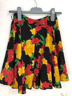 floral skirt size small
