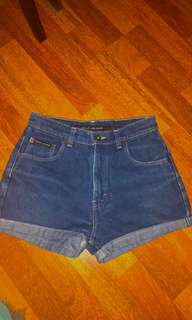 AUTHENTIC DKNY highwaisted denim shorts (vintage)