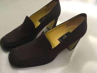 🚚 FENDI鞋