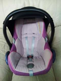 Maxi Cosi Purple Carseat