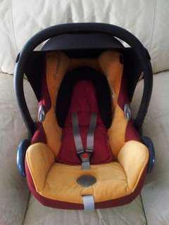 Maxi Cosi Carseat Orange