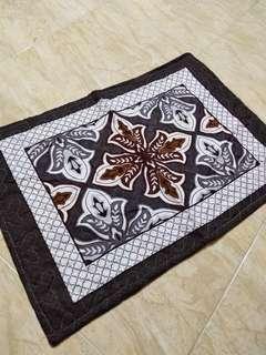 2 Sarung Bantal RM10