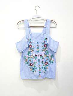 Sabrina embroidery top