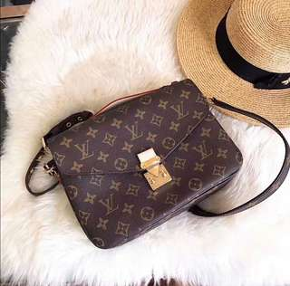 Authentic louis vuitton metis pochette