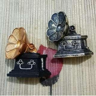 Magnet Kulkas Vintage Gramaphone