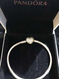 Moments Silver Bracelet with Pave Heart Clasp