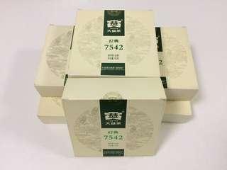 聽雨樓:普洱生茶:2012年大益經典7542小餅 (150克)