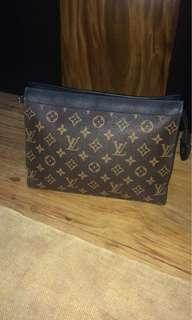 Clatch bag LV