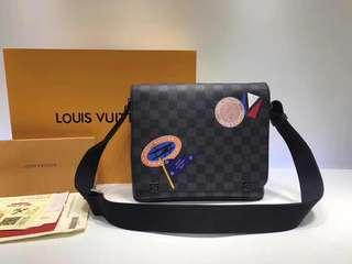 LV Louis Vuitton 路易威登 DISTRICT 小號斜挎包 郵差包 N41054 尺寸25823cm (配全套包裝)