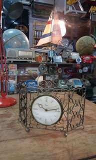 Art Decor Table Clock