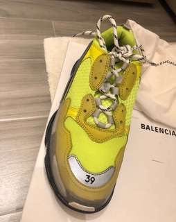 Balenziaga Triple S Sneakers Neon green