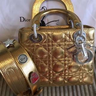 BRAND NEW DIOR ( not authentic )