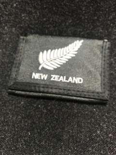 Dompet pria lipat New Zealand