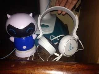 Vivo speaker and headphones
