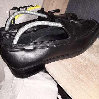 Tassel shoe