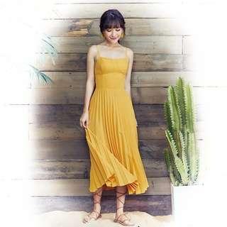 DP502 Daisy Pleated Midi Dress in Yellow