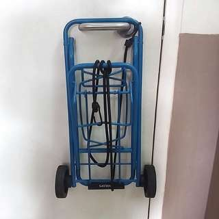 Compact foldable trolley
