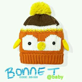 Knotted bonnets for babies