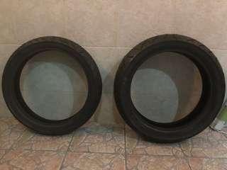 R15 v3 stock tyre