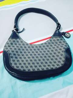 Shoulder bag (Dooney & Bourke)