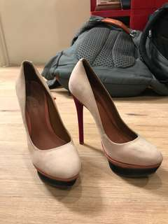 Schutz platform heels