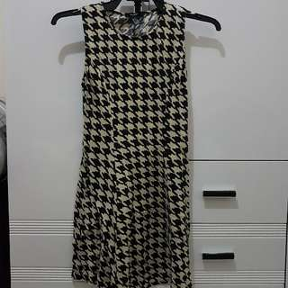 Forever 21 Houndstooth Dress Small