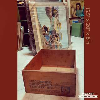 Vintage Wooden Crate. Refer to photo for size and detail. Good Condition. $10 Lowest Price, Clearance offer! Sms 96337309.