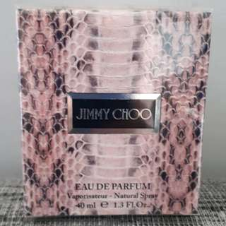 Jimmy Choo eau de Parfum by Jimmy Choo 40ml (COMES WITH FREE DECANT OF COCO MADEMOISELLE INTENSE)