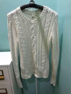 BNWOT H&M Off White Sweater Medium
