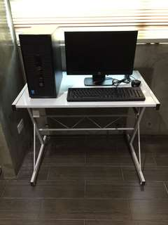 HP Desktop Computer with Computer Table