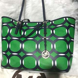 Pre Loved Authentic MK Bag