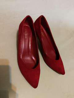 Red suede women pointy toes kitten pumps