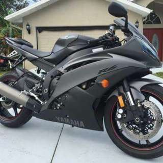 2013 Yamaha YZF-R6 in mint condition with 1417 miles.