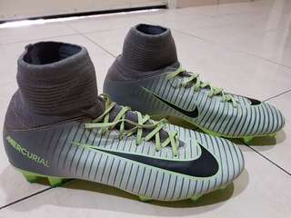 Nike Mercurial Superfly V Kids boots 4.5UK ori 1st Grage