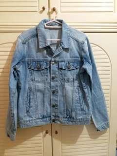 全新 牛仔外套 中碼 衫長23.5寸,胸闊19寸
