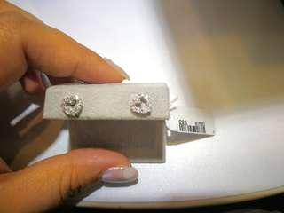 18k白,鑽石砌心形耳環