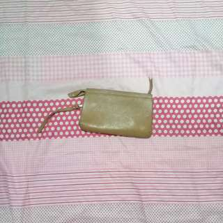 Light brown leather pouch/wallet