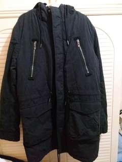 全新 黑色有帽外套 (內有毛) 中碼 衫長34寸,胸闊22寸